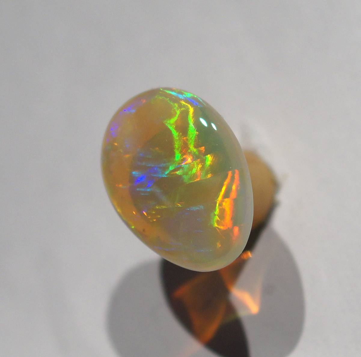 1a-11-1-crystal opal 4,4ct.