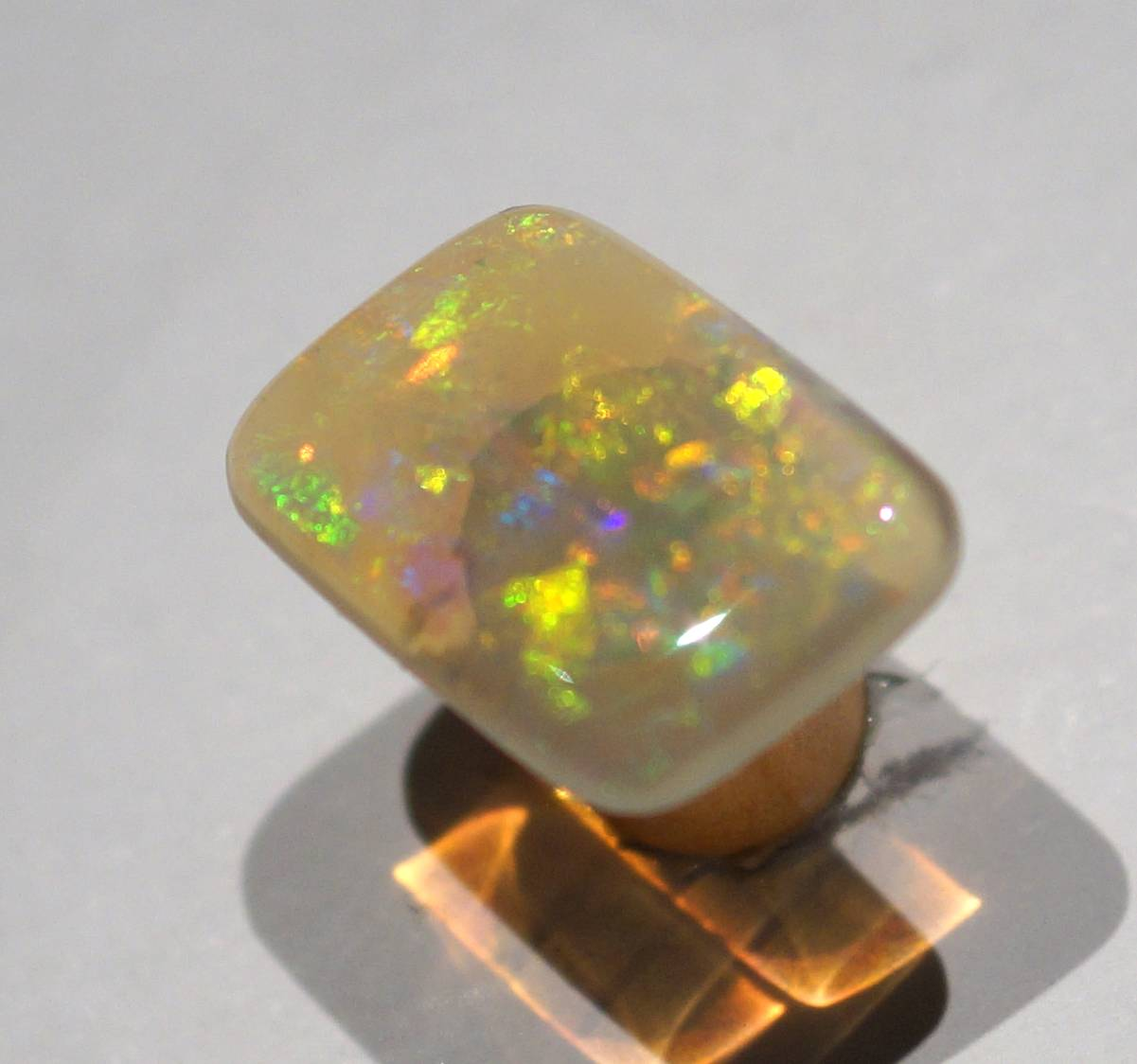 1a-9-1-crystal opal 4,0ct.